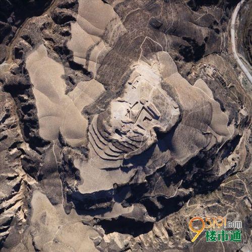 陕西发掘商末一大型建筑遗迹 结构奇特铺木地板