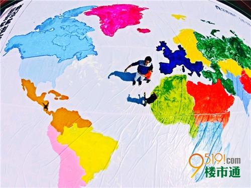 古城亲子协力手绘最大世界地图,登上世界头条!